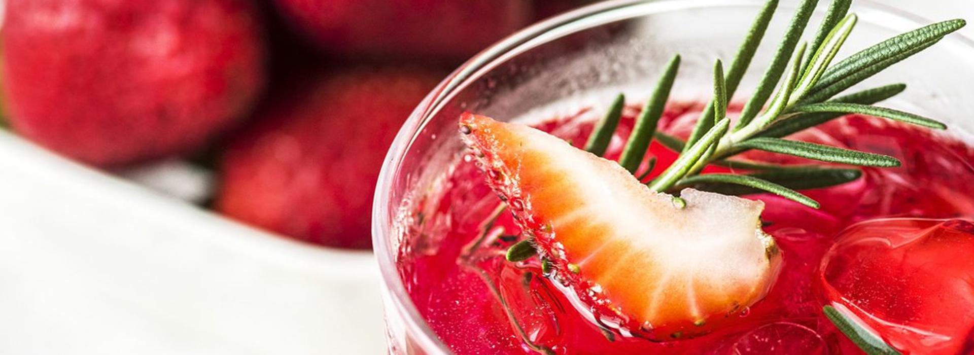 Erdbeer-Detox-Wasser